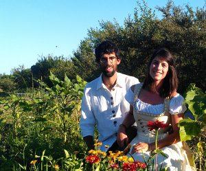 Les agriculteurs derrière la ferme biologique Terra Millefolia