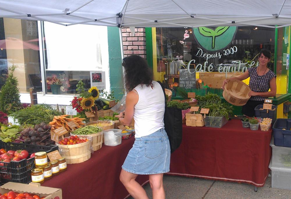 Farmer's market in Notre-Dame-de-Grâce (Coop la maison verte)